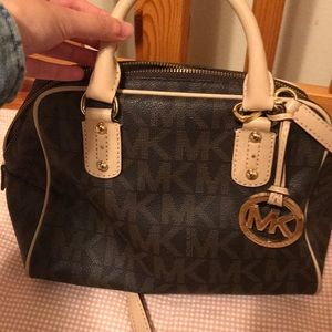 USED ONCE MICHAEL KORS SATCHEL
